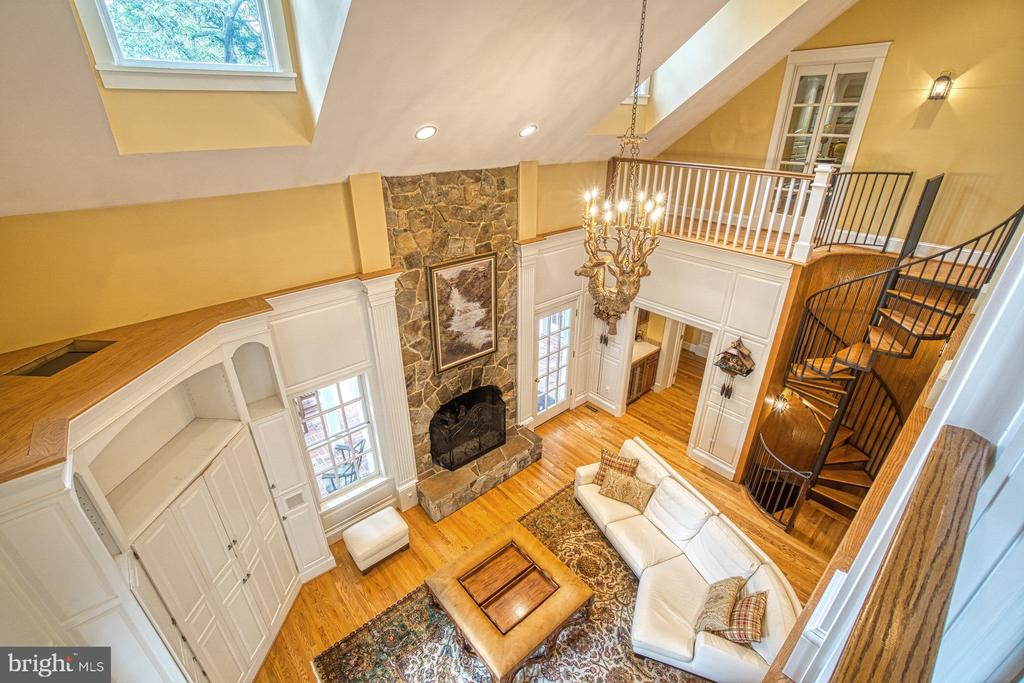 Upper level view over the family room - 3812 MILITARY RD, ARLINGTON