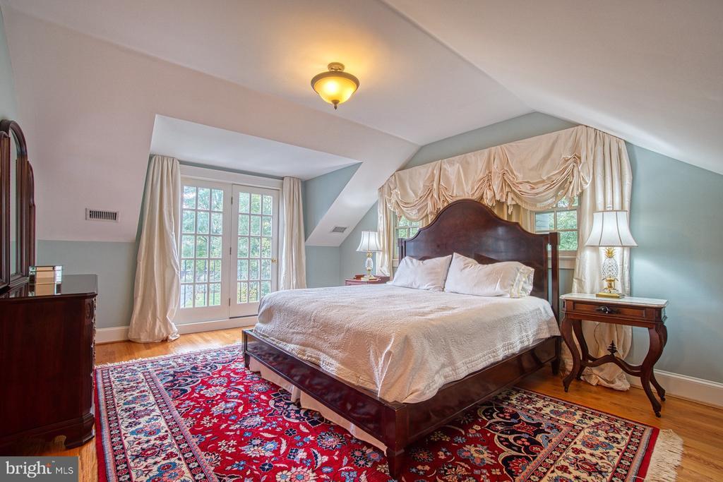 3rd level 3rd bedroom - 3812 MILITARY RD, ARLINGTON