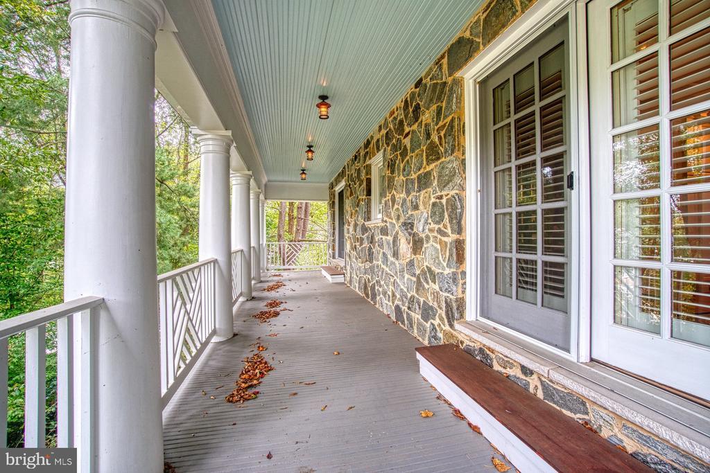 Upper level verada - 3812 MILITARY RD, ARLINGTON