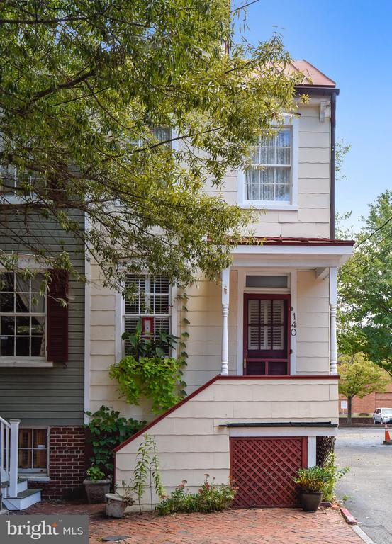 Minutes from the Market House and City Dock. - 140 MARKET ST, ANNAPOLIS