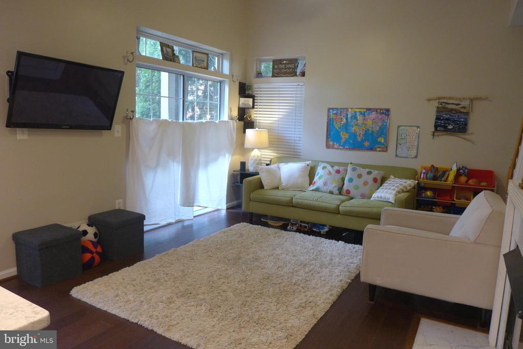 Living room - 11872 BRETON CT #12A, RESTON