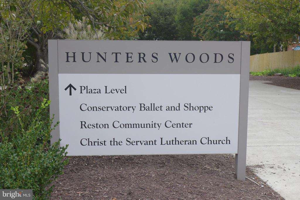 Hunters Woods neighborhood - 11872 BRETON CT #12A, RESTON