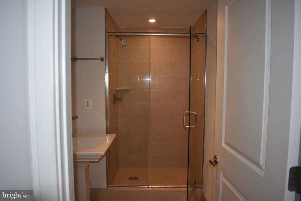 second bedroom bathroom - 4301 MILITARY RD NW #315, WASHINGTON