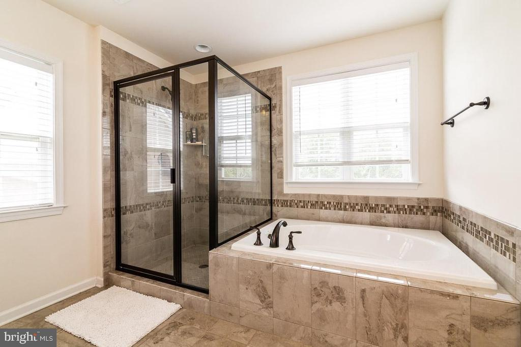 RELAX IN THE SOAKING TUB - 47 ORCHID LN, STAFFORD