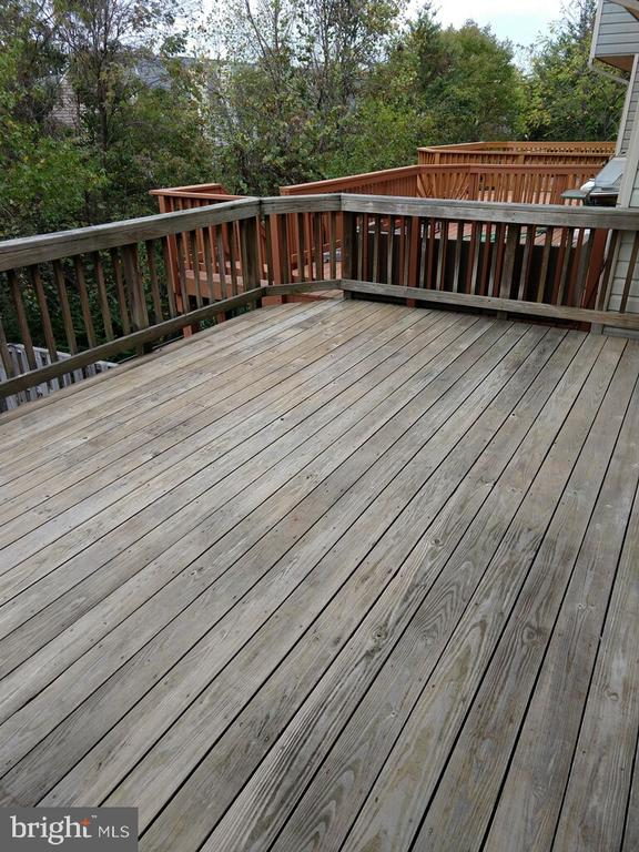 Large Deck off of the Kitchen Level - 21906 GREENTREE TER, STERLING