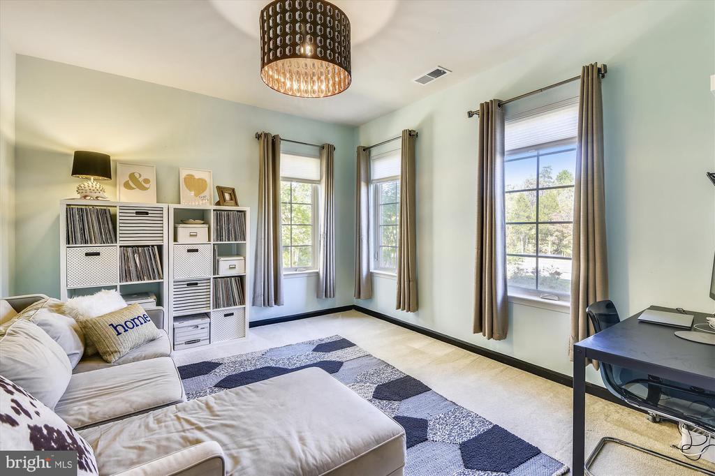 First Floor Family Room or Office - 42298 PEREGRINE TER, BRAMBLETON