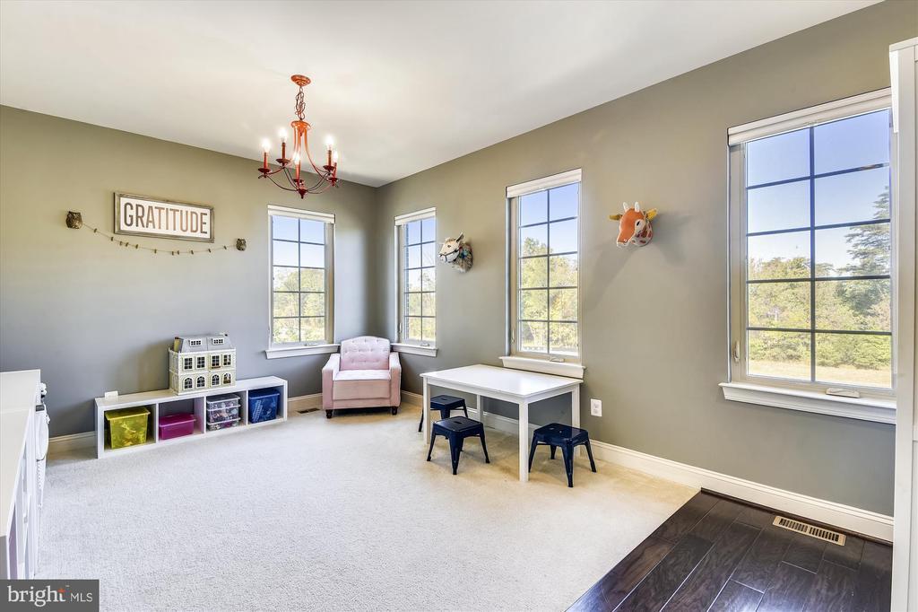 Dining Room - used as kids play area - 42298 PEREGRINE TER, BRAMBLETON