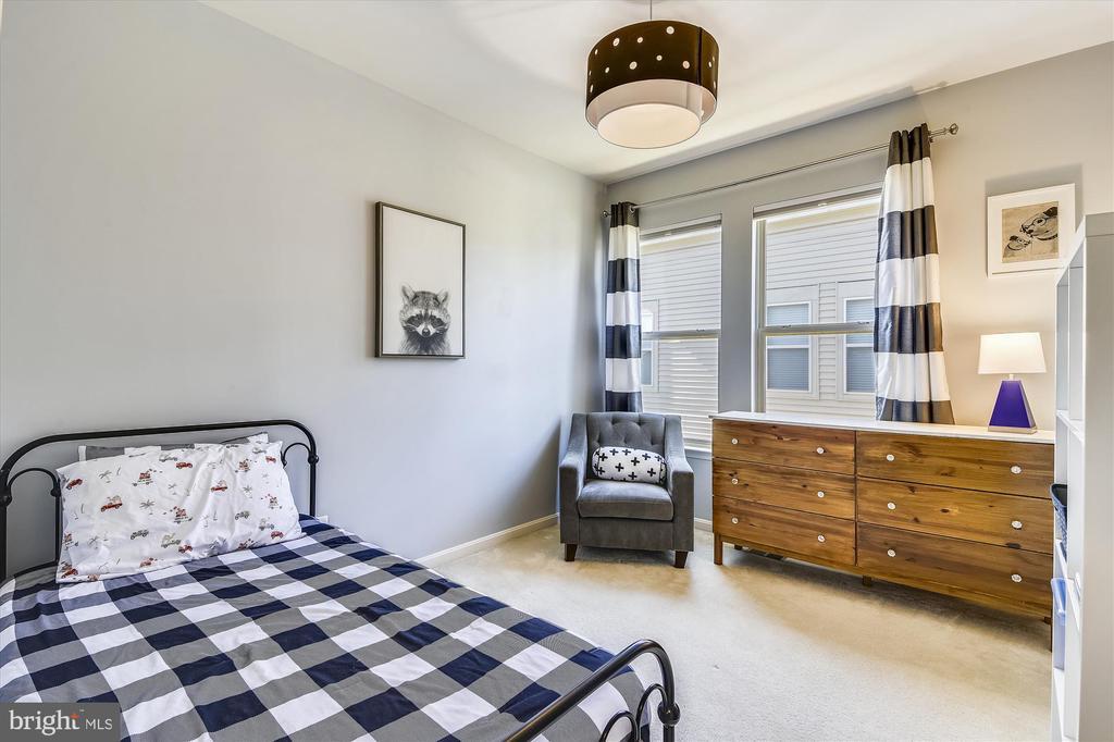 Bedroom 2 - 42298 PEREGRINE TER, BRAMBLETON