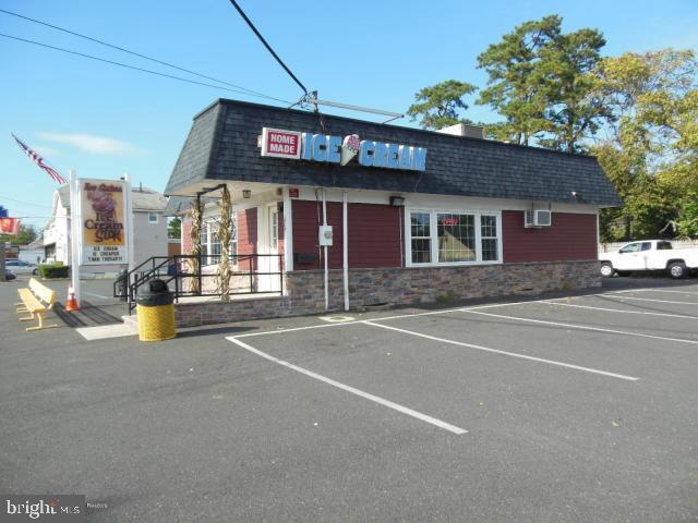 Retail للـ Sale في Beachwood, New Jersey 08722 United States