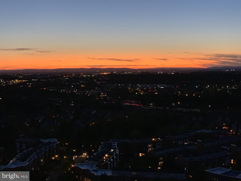 Spectacular sunsets! - 11990 MARKET ST #1914, RESTON