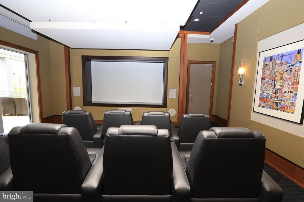 Private media and theatre room - 11990 MARKET ST #1914, RESTON