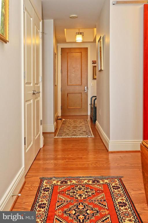 Laminated floors throughout - 11990 MARKET ST #1914, RESTON