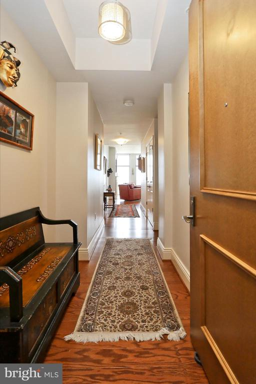 A gallery foyer entrance - 11990 MARKET ST #1914, RESTON