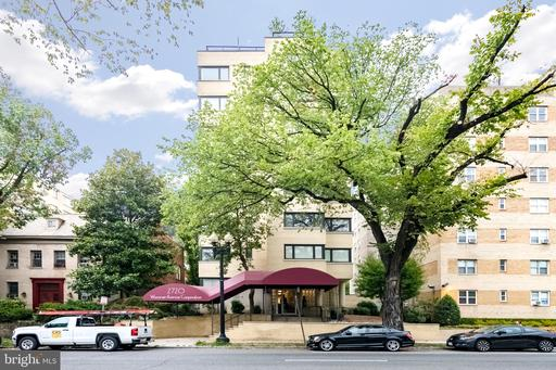 2720 WISCONSIN AVE NW #206