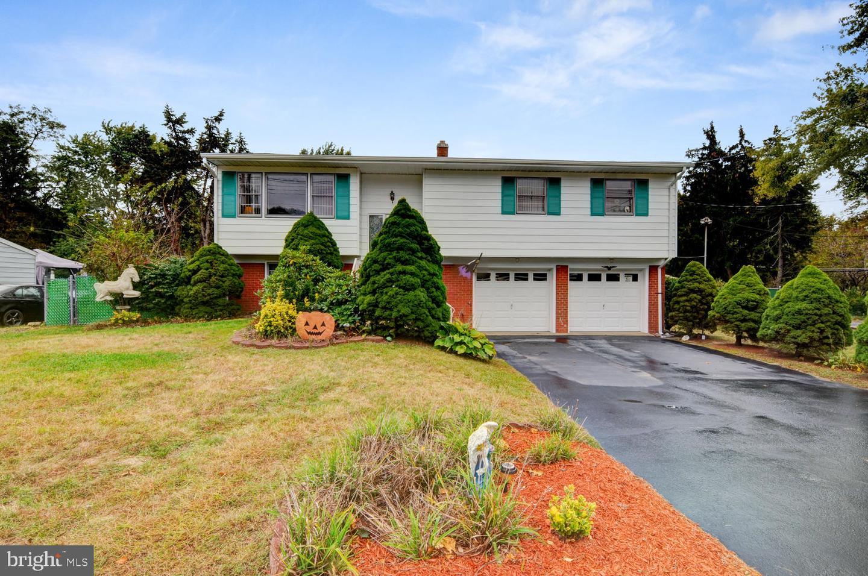 Single Family Homes für Verkauf beim Spotswood, New Jersey 08884 Vereinigte Staaten