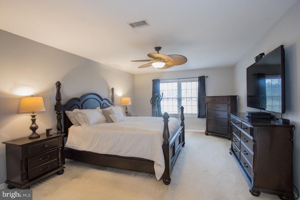 Master Bedroom - 201 MANOR DR, MIDDLETOWN