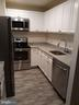 Renovated Kitchen with stainless steel appliances - 13113 WONDERLAND WAY #14-154, GERMANTOWN