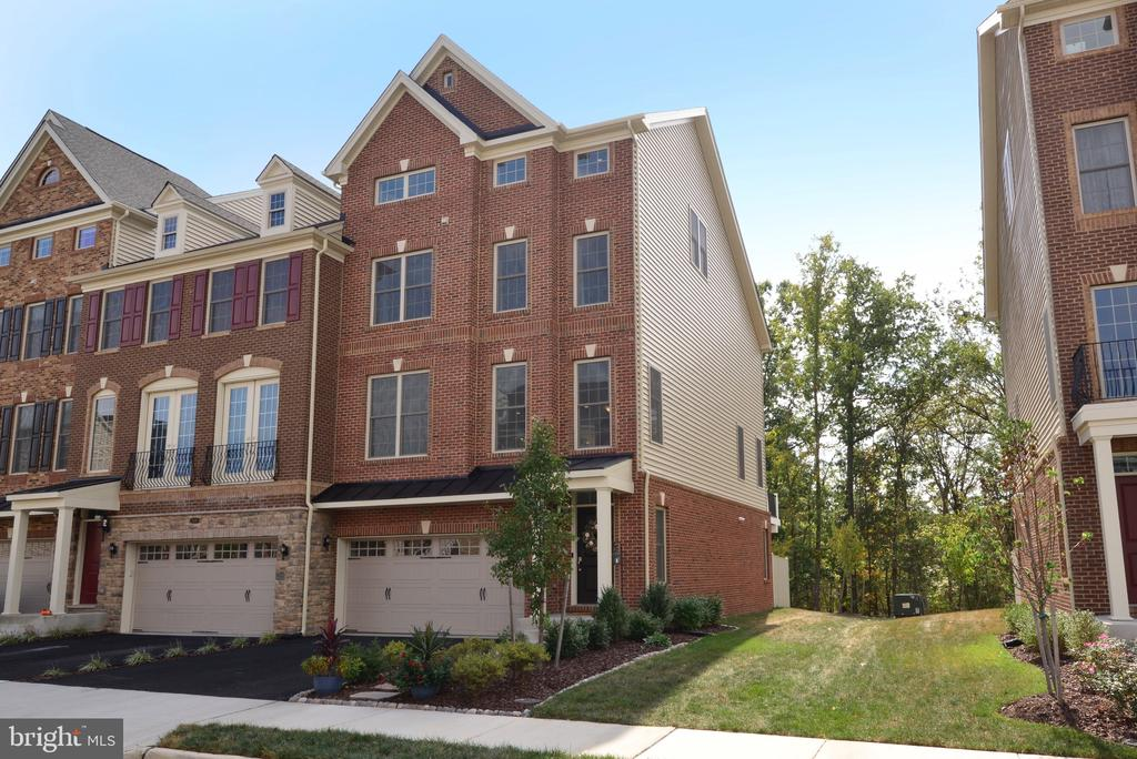 Ready for my New Owners! - 25017 CAMBRIDGE HILL TER, CHANTILLY