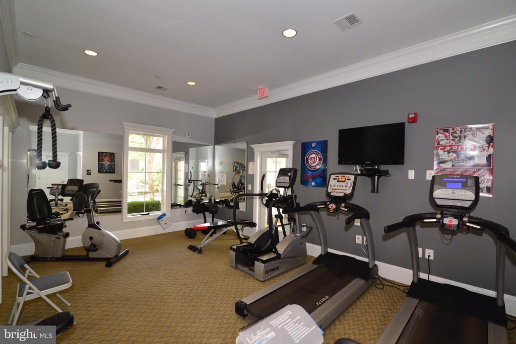 Community Fitness Center - 25017 CAMBRIDGE HILL TER, CHANTILLY