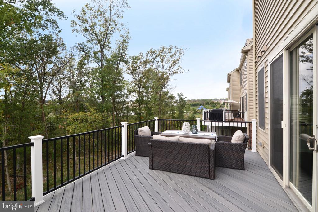 New Composite Deck! - 25017 CAMBRIDGE HILL TER, CHANTILLY