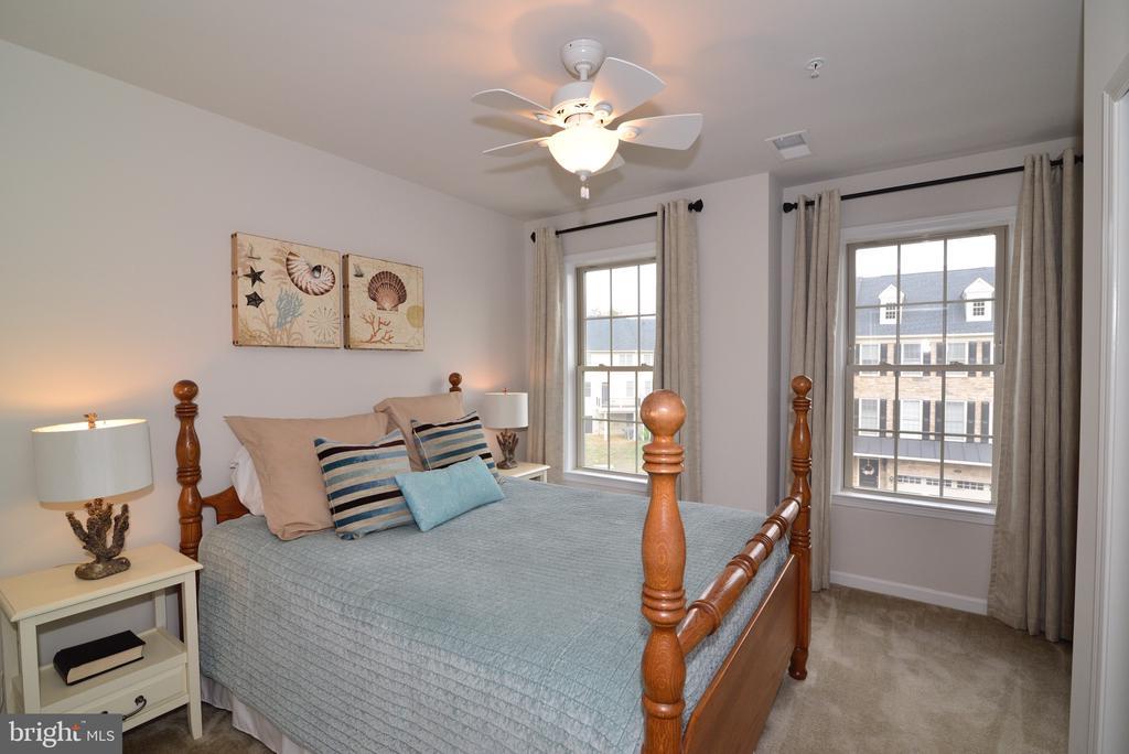 Bedroom 2 - 25017 CAMBRIDGE HILL TER, CHANTILLY