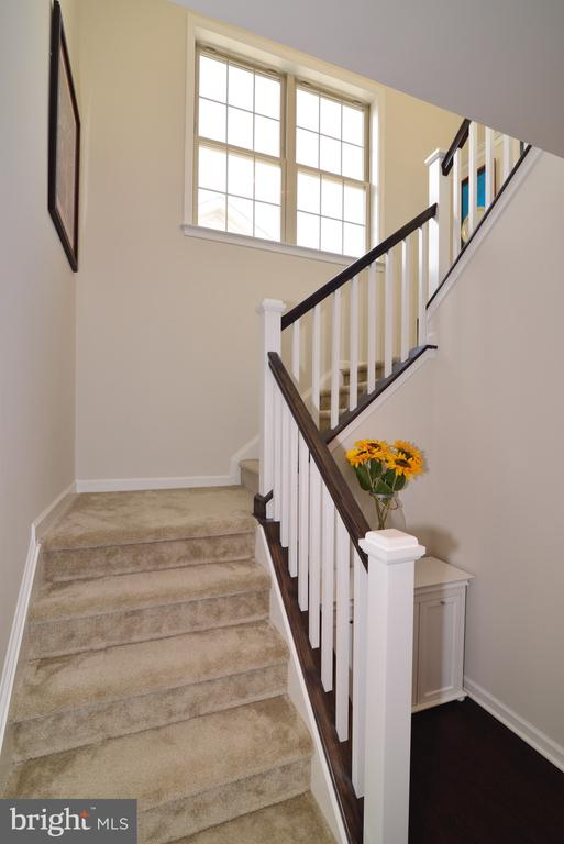 Stairs from Bedroom Level - 25017 CAMBRIDGE HILL TER, CHANTILLY