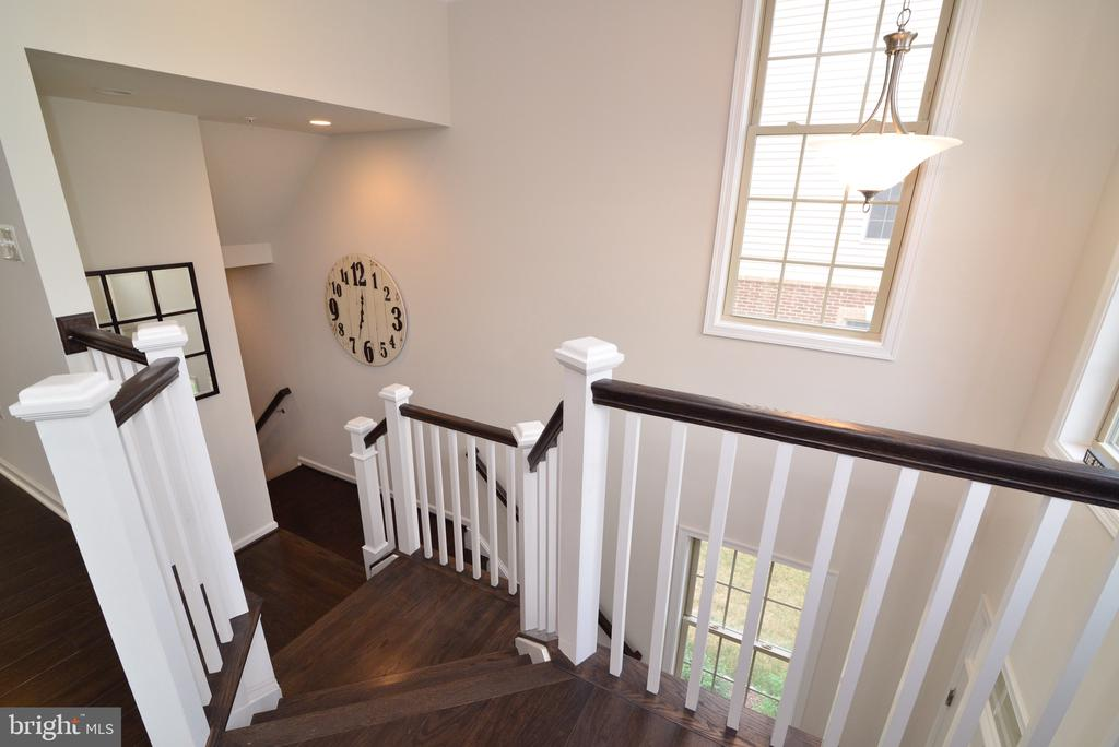 Gorgeous Wood Staircase - 25017 CAMBRIDGE HILL TER, CHANTILLY