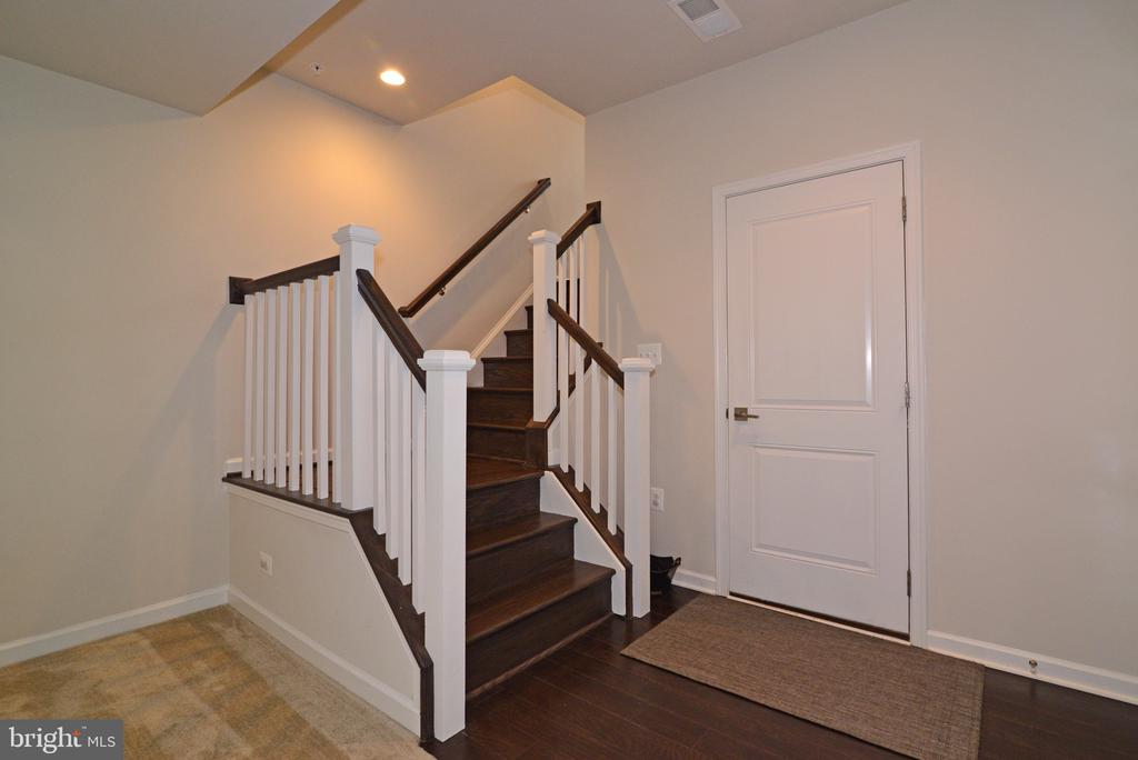 Hardwood Stairs to 1st Floor Rec Room - 25017 CAMBRIDGE HILL TER, CHANTILLY