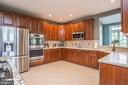 Granite Counters and newer Appliances - 18555 DETTINGTON CT, LEESBURG