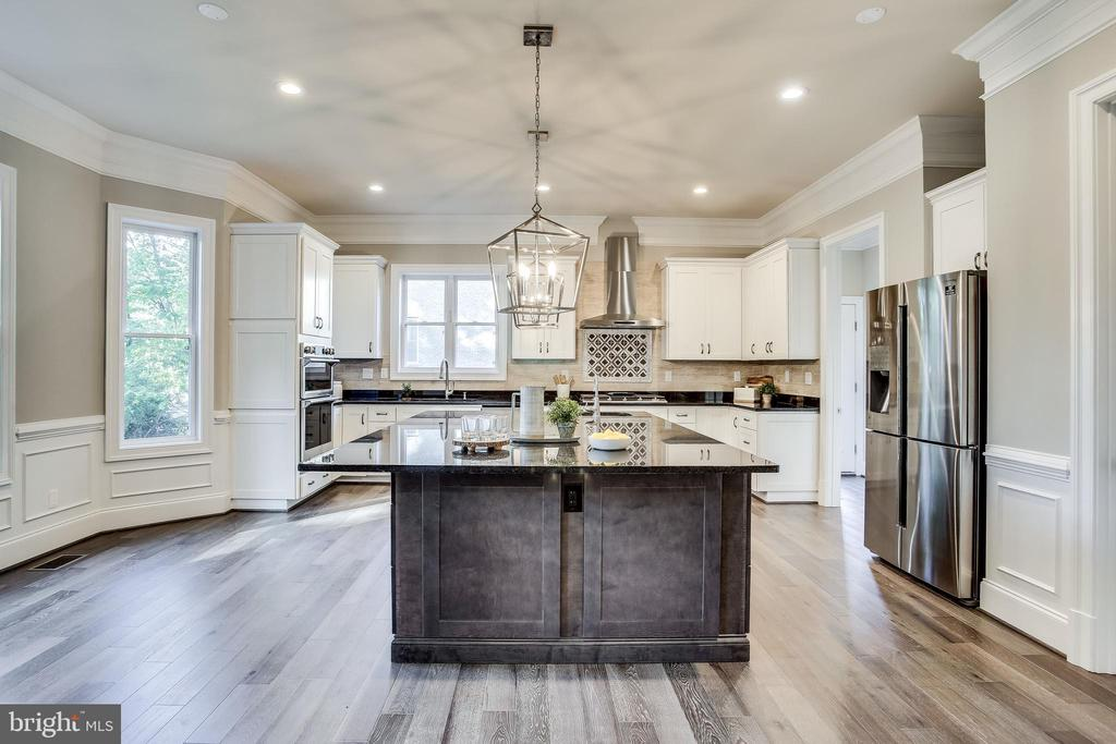Cook in your dream kitchen - 4112 DOVEVILLE LN, FAIRFAX