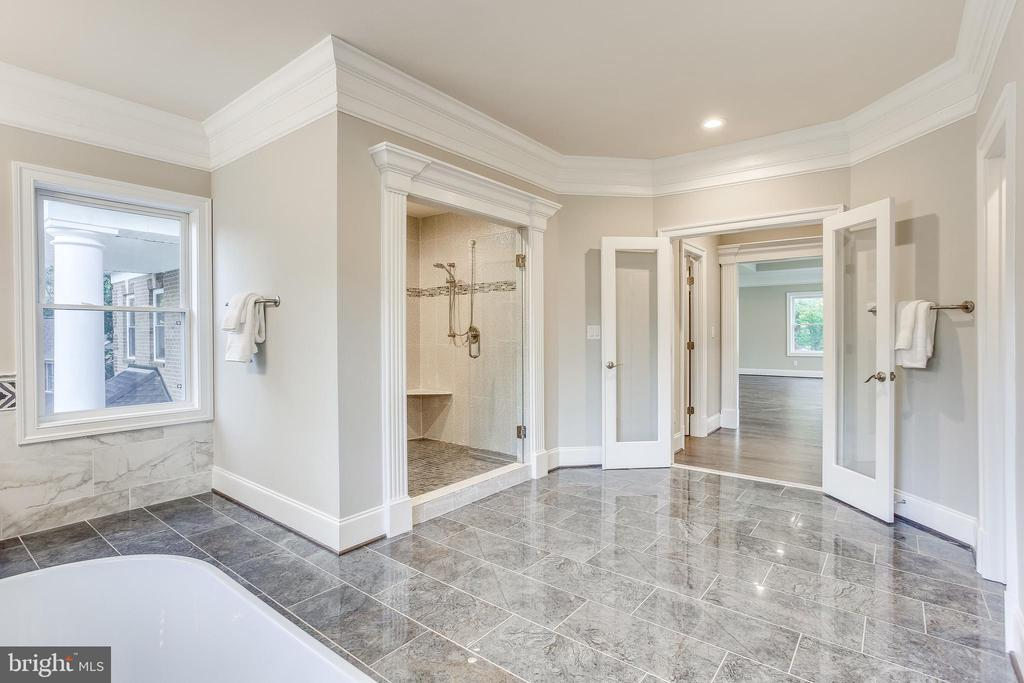 Spa bathroom - 4112 DOVEVILLE LN, FAIRFAX