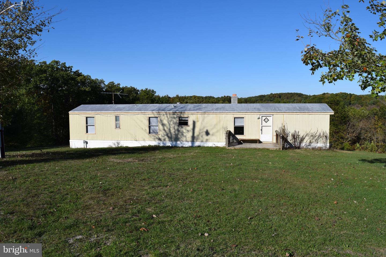 Single Family Homes para Venda às Capon Springs, West Virginia 26823 Estados Unidos