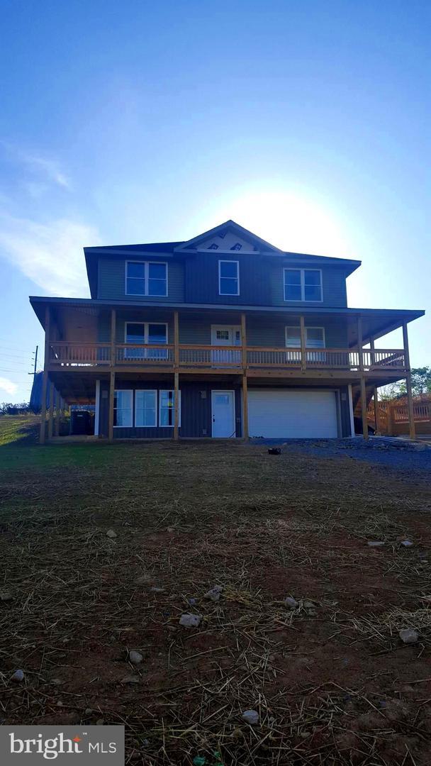 Single Family Homes para Venda às Hedgesville, West Virginia 25427 Estados Unidos
