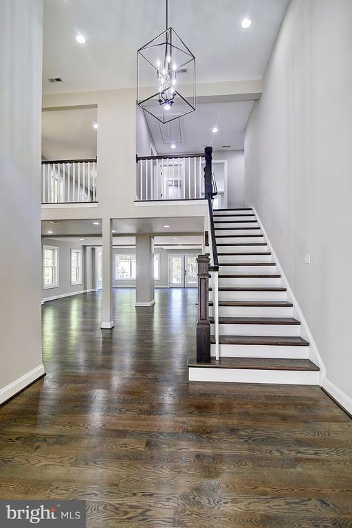 Your Two Story Foyer and Open concept awaits - 10614 HUNTER STATION RD, VIENNA
