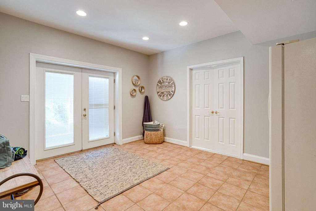 So many options-what would you use this room for? - 7002 HIGHLAND MEADOWS CT, ALEXANDRIA