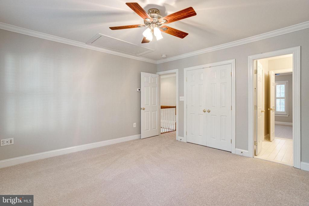 3rd bedroom  w/ ceiling fan - 7002 HIGHLAND MEADOWS CT, ALEXANDRIA