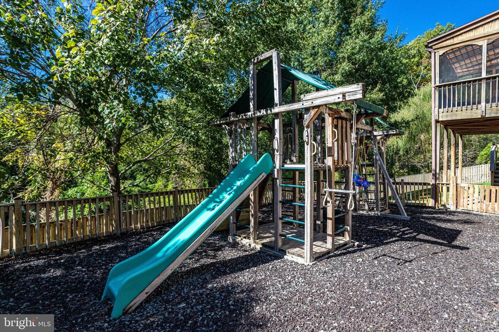 Playground - 7002 HIGHLAND MEADOWS CT, ALEXANDRIA