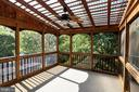 Lovely screened porch w/ ceiling fan - 7002 HIGHLAND MEADOWS CT, ALEXANDRIA
