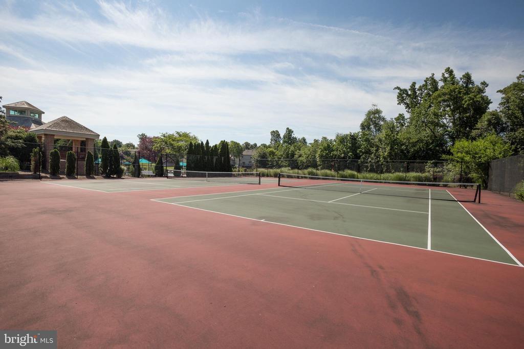 Community tennis courts - 3702 MILLPOND CT, FAIRFAX
