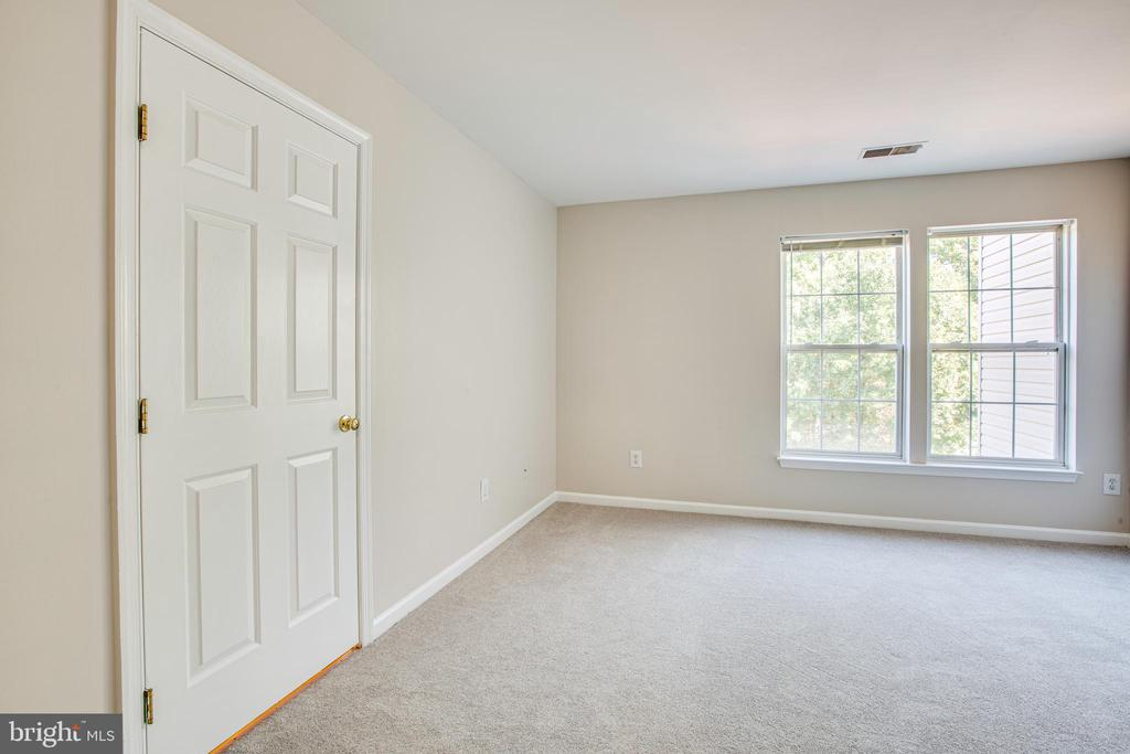 Master bedroom with new carpet - 4005 FOUNTAIN BRIDGE CT, FREDERICKSBURG