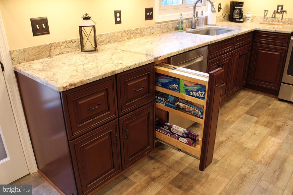 Storage cabinet - 7255 RIDGEWAY DR, MANASSAS