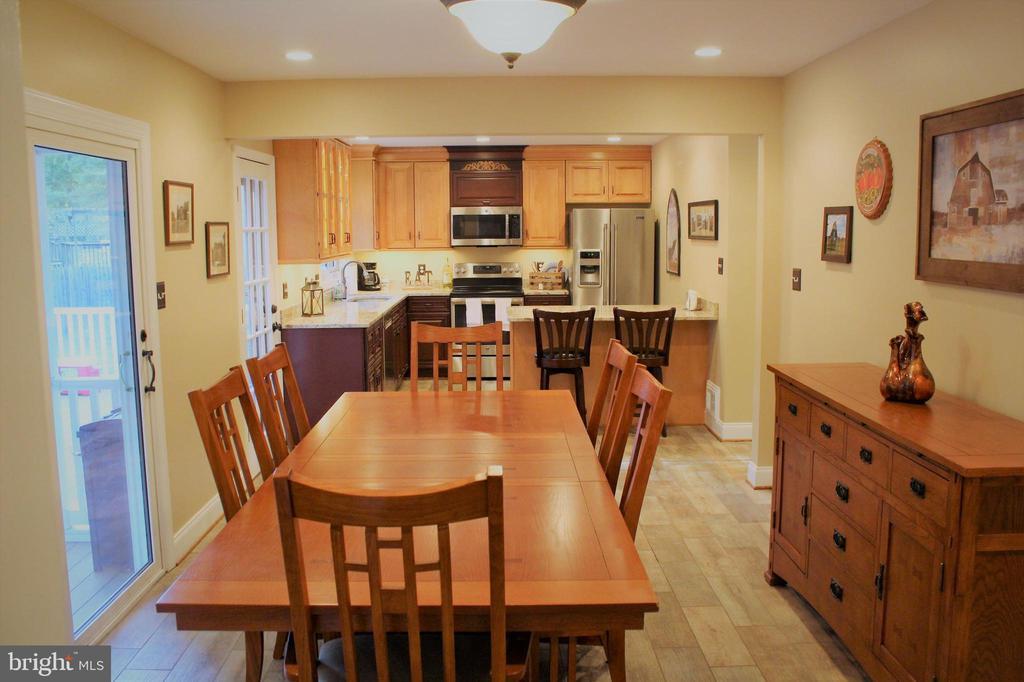 dining room kitchen combination - 7255 RIDGEWAY DR, MANASSAS