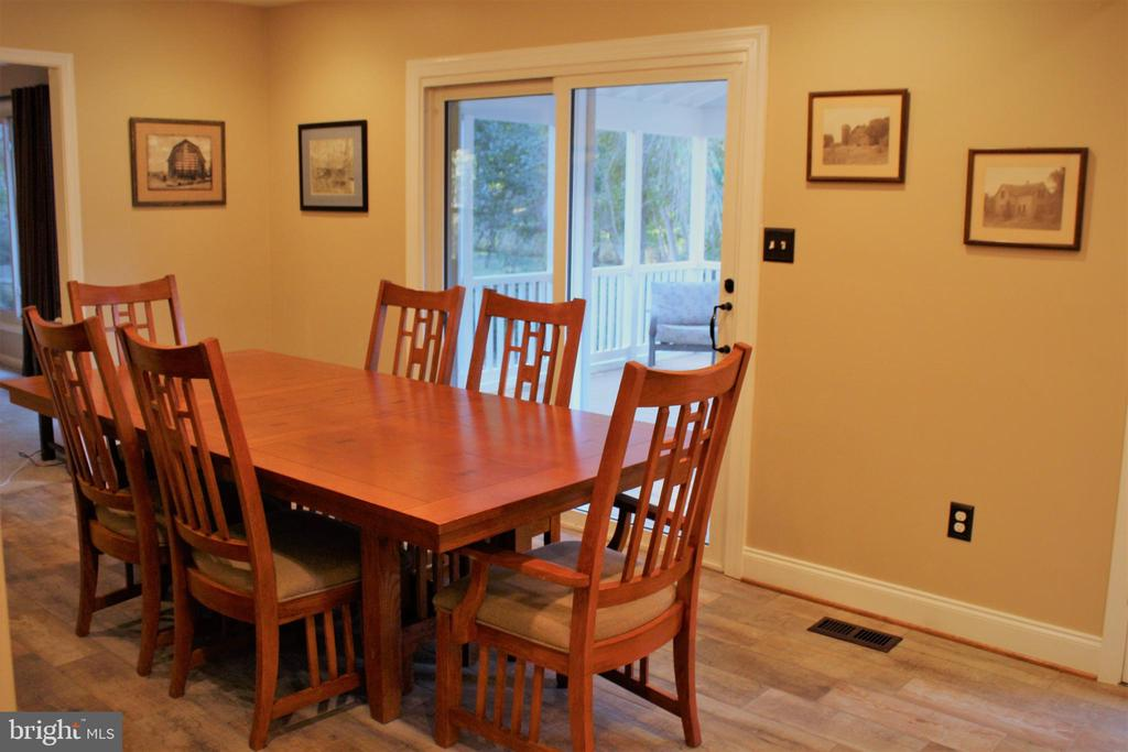 Dining room with deck access - 7255 RIDGEWAY DR, MANASSAS