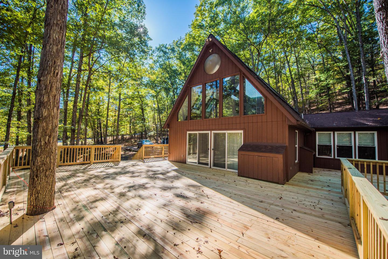 Single Family Homes para Venda às Great Cacapon, West Virginia 25422 Estados Unidos