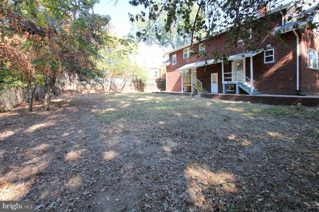 Backyard - 6612 BALTIMORE AVE, UNIVERSITY PARK