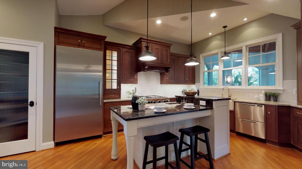 2011 remodel of gourmet kitchen - 4515 32ND ROAD N, ARLINGTON