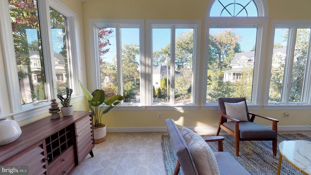 Pretty view overlooking the neighborhood - 4515 32ND ROAD N, ARLINGTON