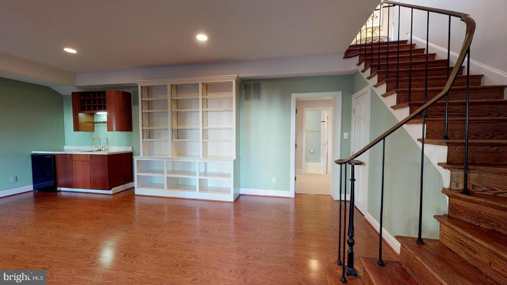 Lower level game room with wet bar - 4515 32ND ROAD N, ARLINGTON