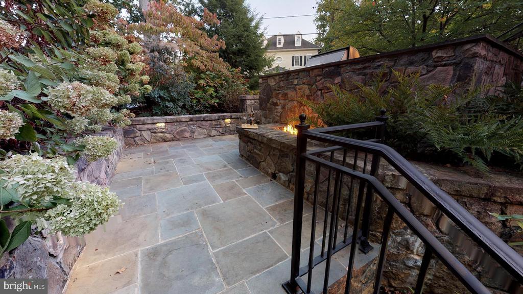 Lower patio - 4515 32ND ROAD N, ARLINGTON