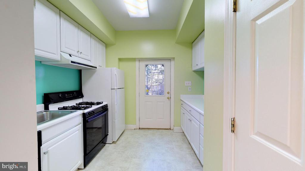 Lower level secondary kitchen - 4515 32ND ROAD N, ARLINGTON